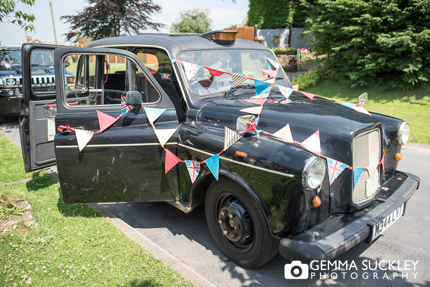 Old English Taxi decorated for a wedding