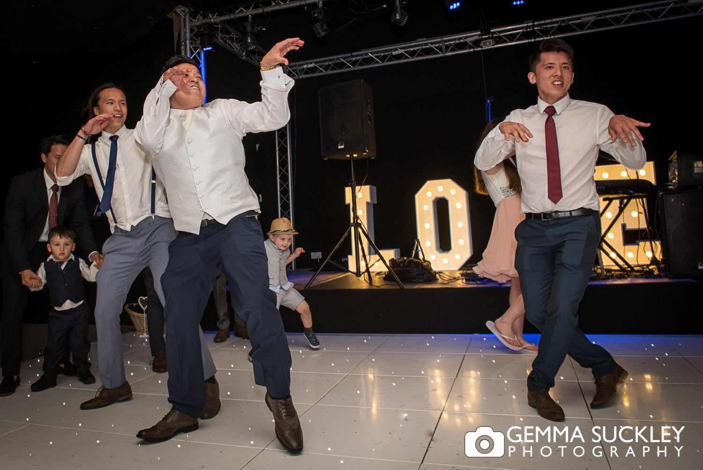 groom-at-moorlands-inn-dancing.JPG