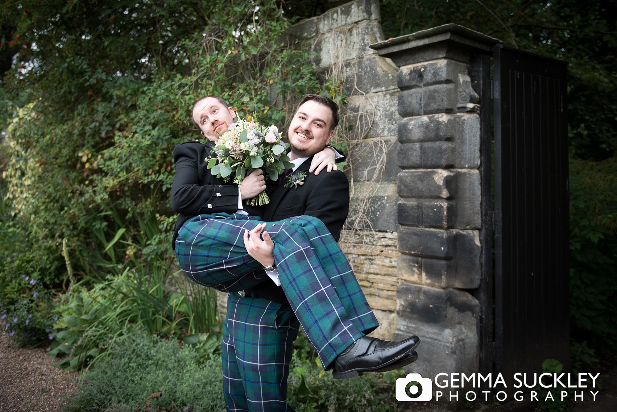 east-rddlesden-hall-wedding-photographer.jpg