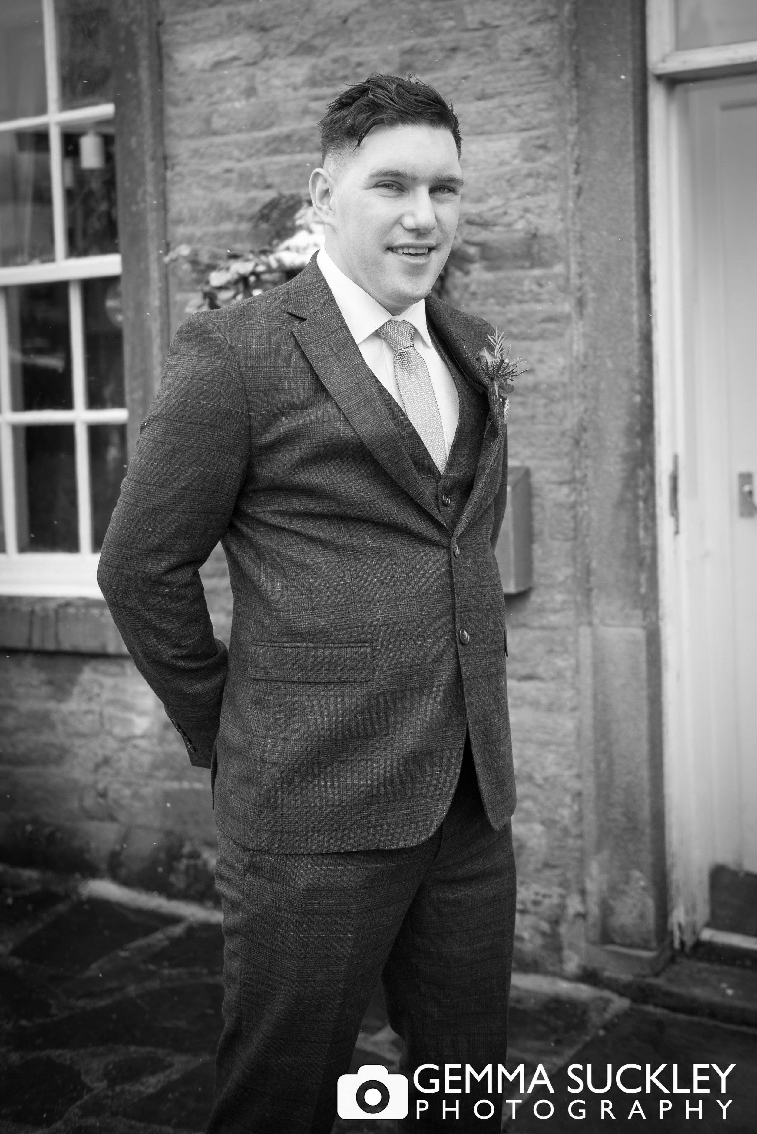 groom outside grassington