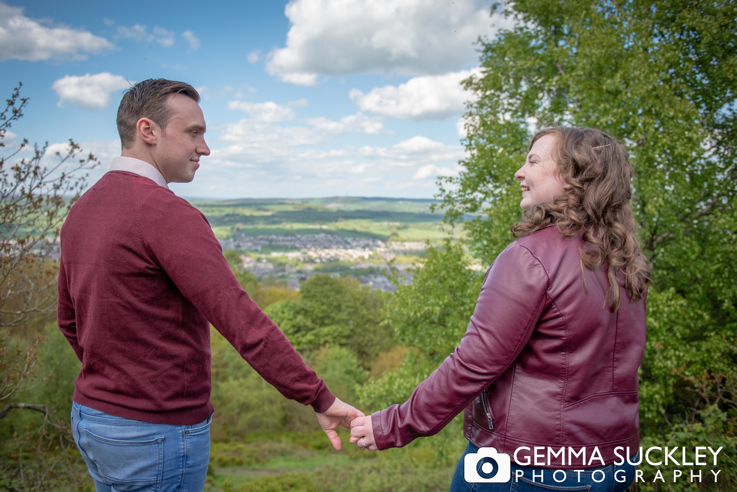otley-chevin-park-engagement-photos.jpg