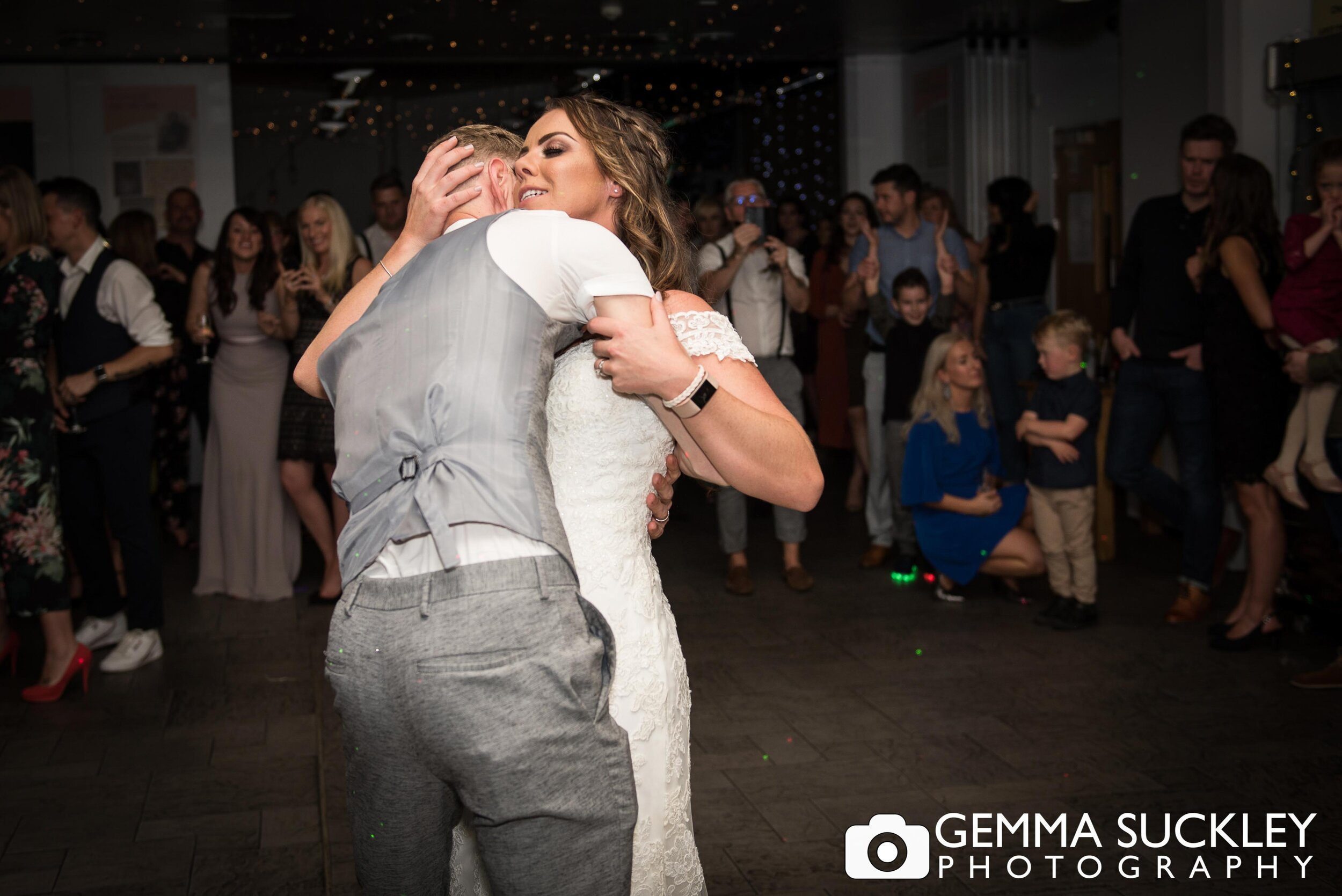 bride and groom first dance photography in halifax