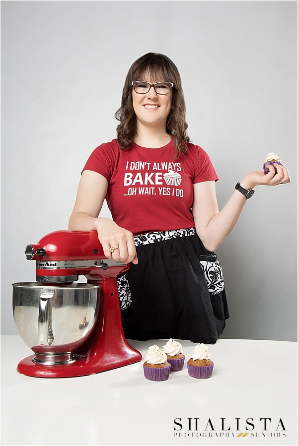 Senior girl baking senior photo