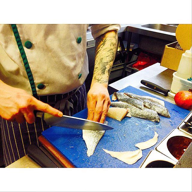 some fresh sea bream filleting! #slighhouse #edinburghrestaurants #edinburghcocktailbar #seabream #freshfish
