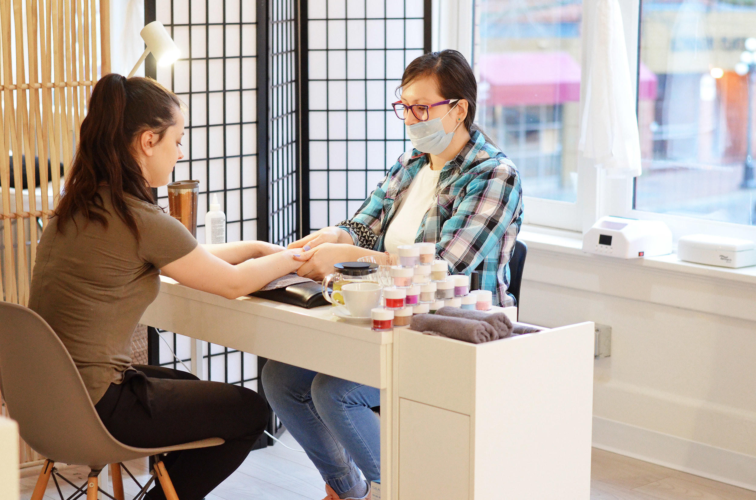 NAIL TECHNICIAN - FULL TIMEPART TIME