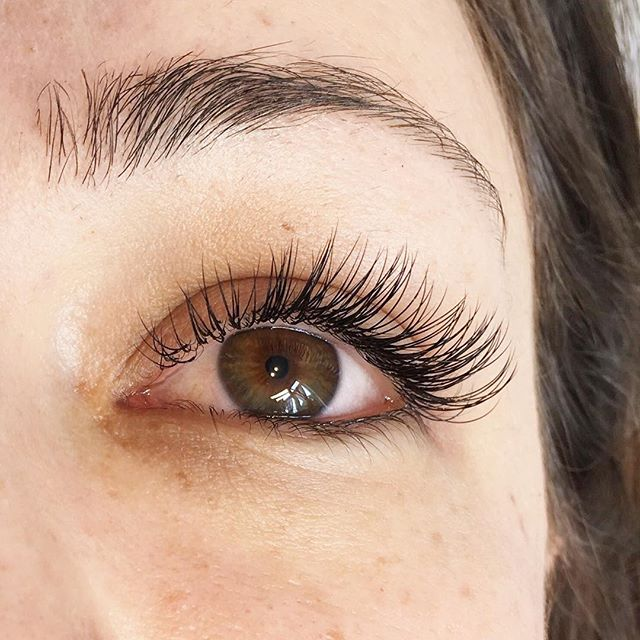 Classic Lashes for a beautiful bride! This set was done by our junior tech Colleen. Juniors have great skills! 👌👌 . . . : #yyj #yyjhair #yyjevents #yyjhairstylist #yyjlashes #yyjmakeupartist #yyjmakeup #yyjweddings #yyjbusiness #yyjbeauty #yyjfashion #yyjjobs #beautylife #makeupgirl #hairlover #bloggergirls #beautybloggerlife #salonlifestyle #greencirclesalon #beautysalons #explorevictoria #victoriabccanada #yyjnails #nailsalons #yyjmodel #vancouverislandlife #vancouverislandguide #victoriabc #downtownvictoria #vancouverislandartists