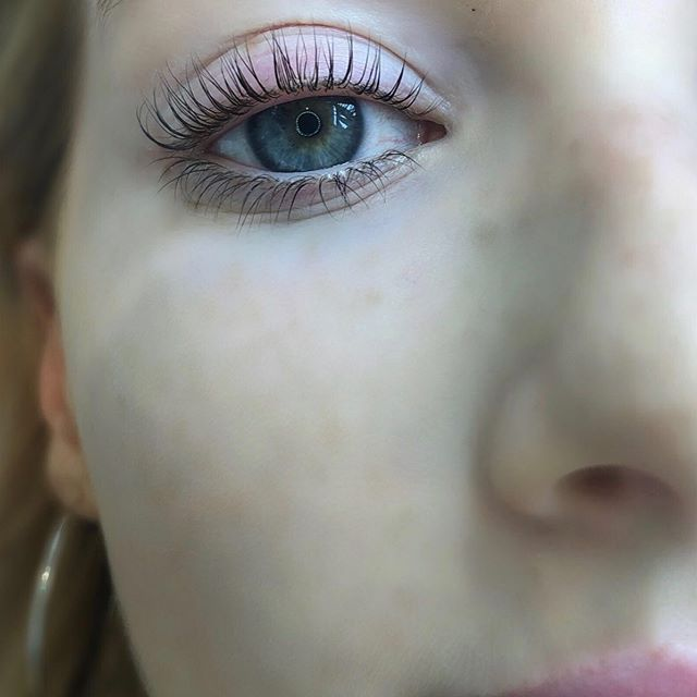 Lash lift and tint 😍 by @ivy.verona.beauty . . :