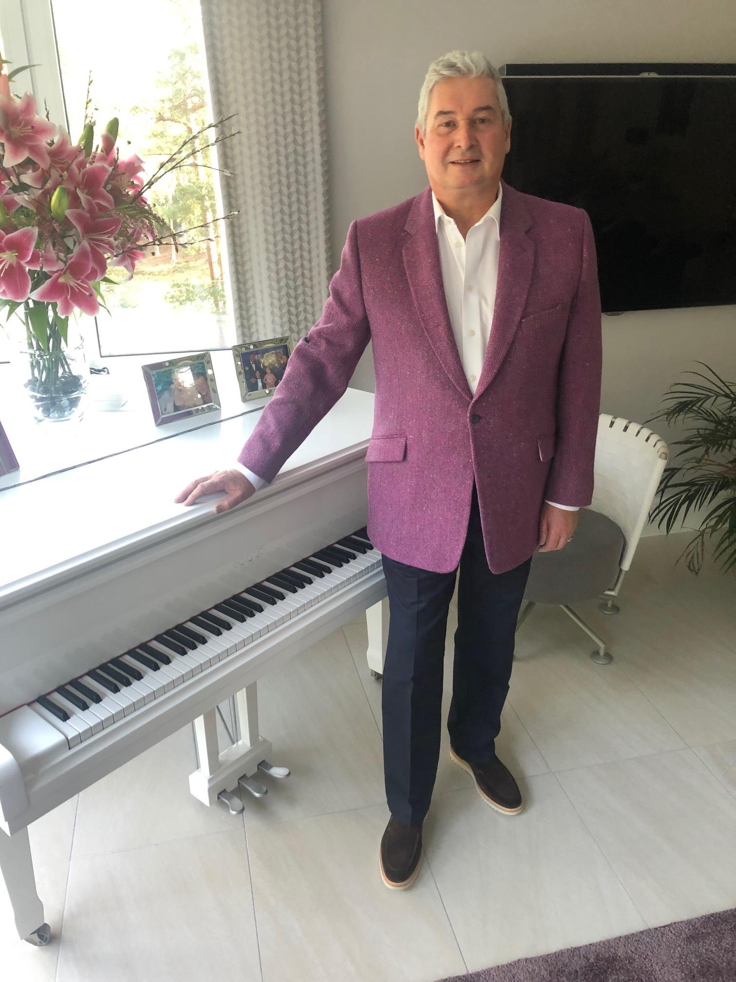 susannah-hall-bespoke-tweed-jacket-tailor-woven-bone-uk-british-made.jpg