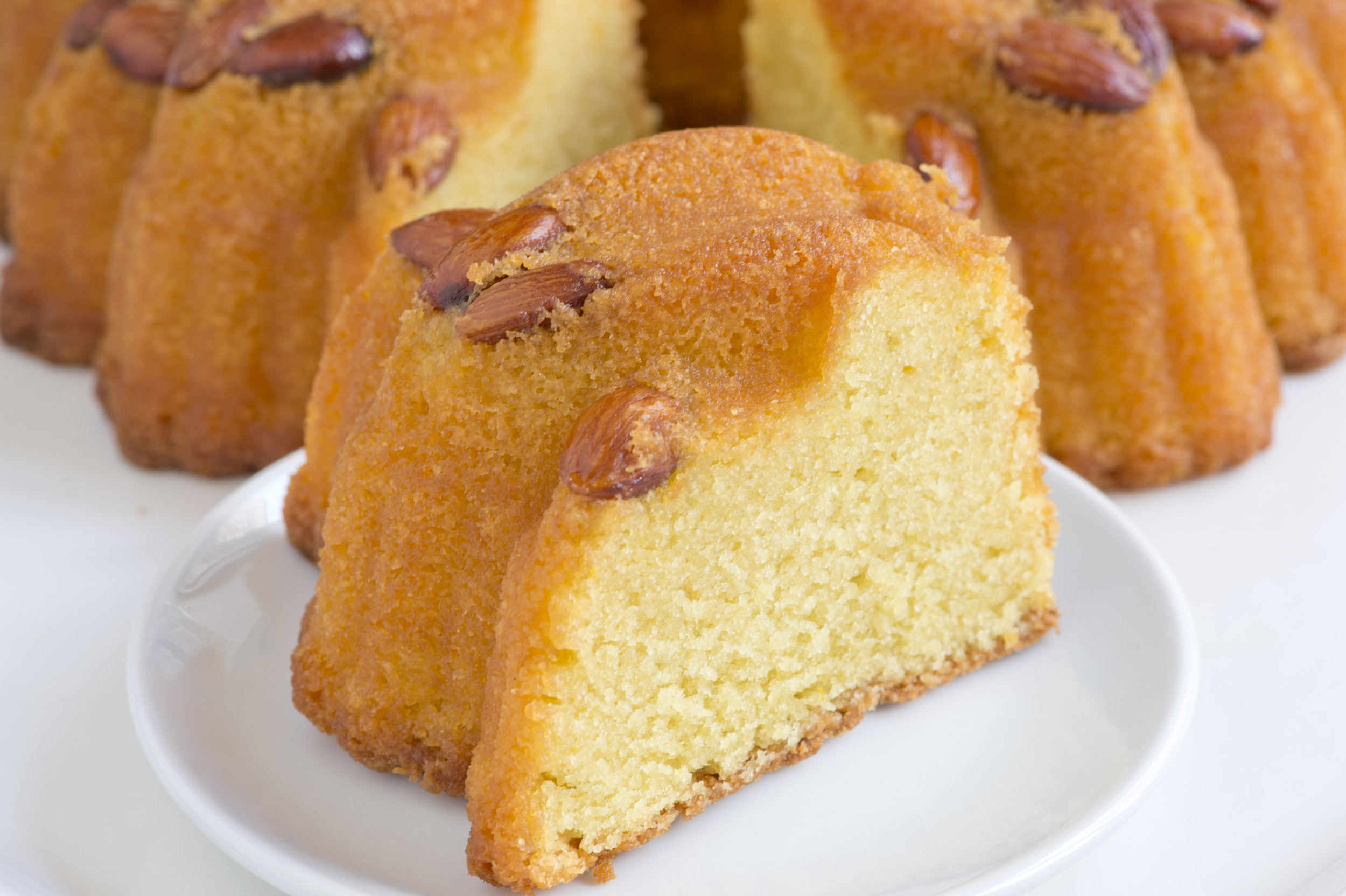 Grandaisy-bakery-almond-pound-cake-cut