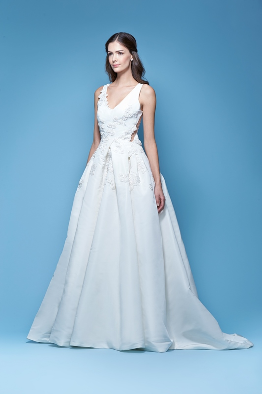 JOELLE $6,990 50% OFF,  NOW $3,495  SIZE 8, NON-EMBROIDERED VERSION ONLY