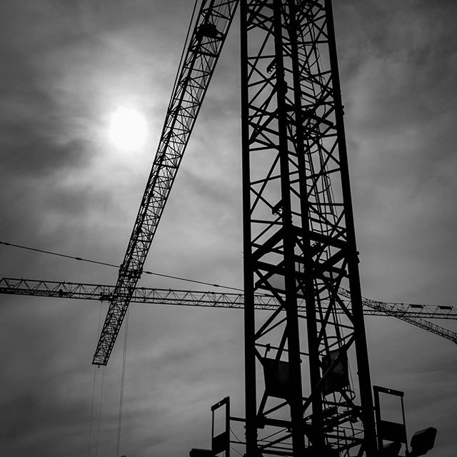 Zurich is being built and rebuilt. It's amazing all the changes that have happened in the 12 years since I moved to #züriwest ! And there is no end in sight. I really enjoy living and working in this dynamic environment. . . . . . . #bnwmood #schwarzweiss #lifestylezurich #swissphotographer #excellent_structure #lookingupatcranes #urbex #urbania #mkexplore #constructionsite #zhiim #bnw_city  @picz.ch #picz #piczzurich