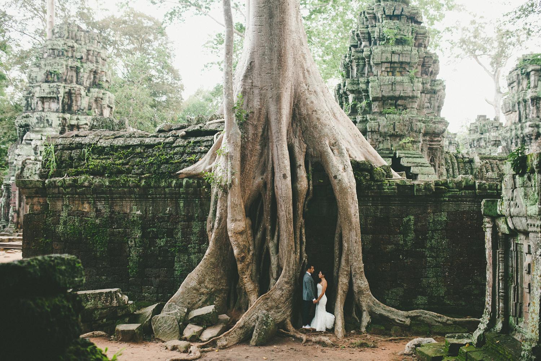 019-angkor-wat-destination-wedding-photos.jpg