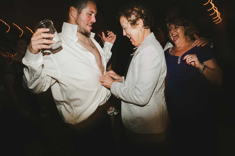 52-060-vermont-destination-wedding-photography.jpg