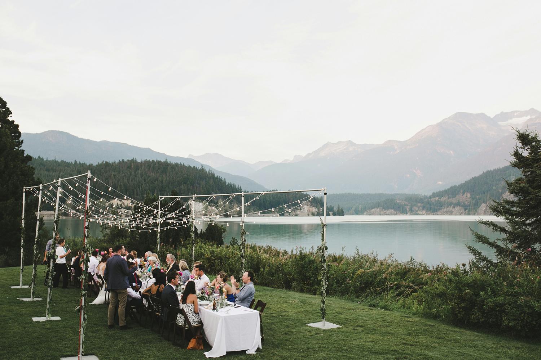 132-edgewater-lodge-destination-wedding.jpg