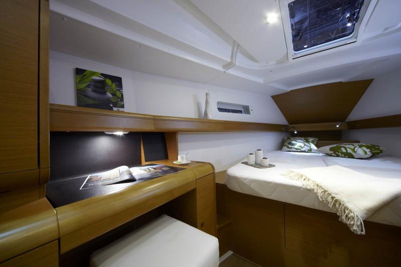boat-439_interieur_20110202162731.jpg