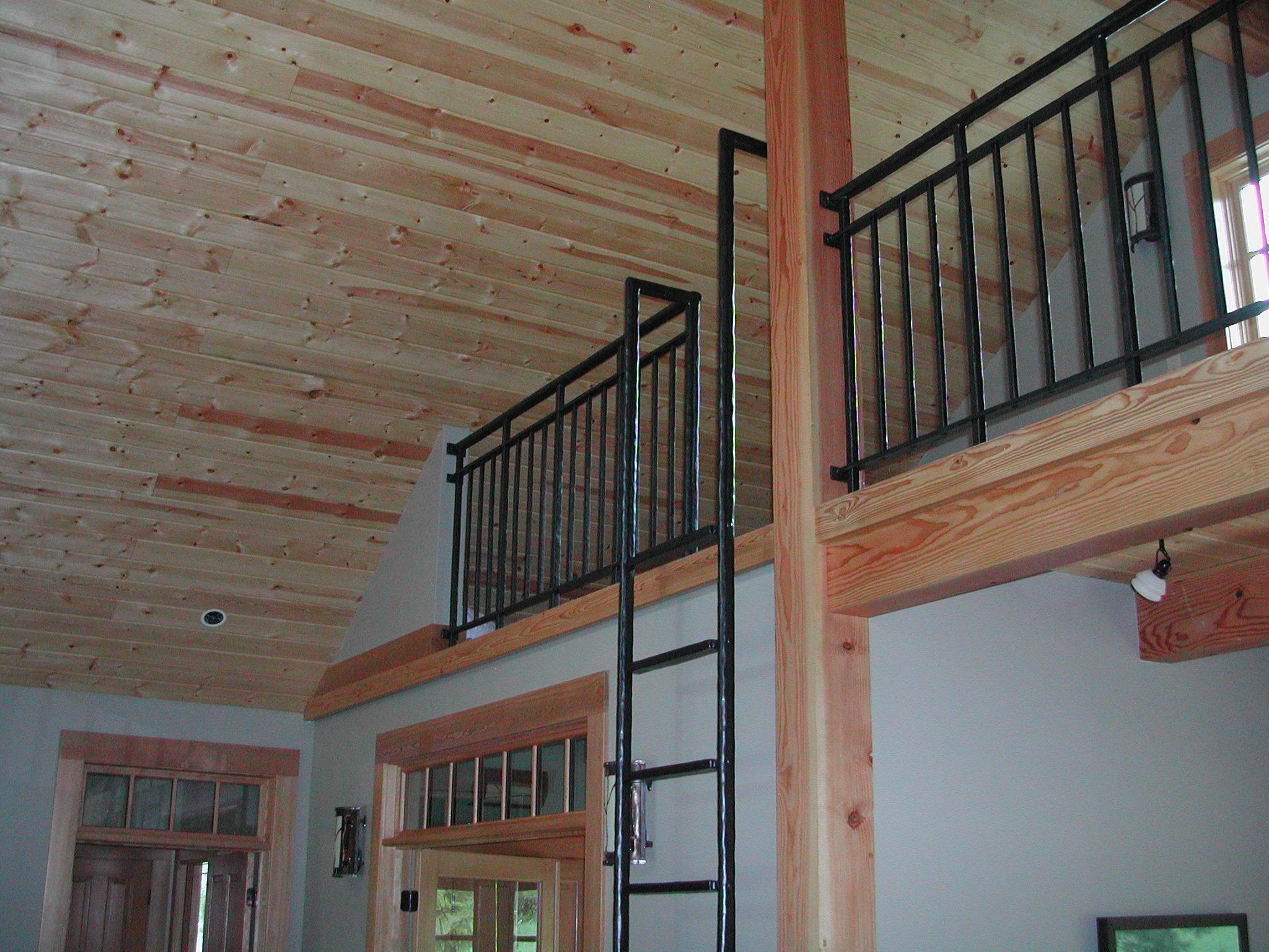 loft_and_ladder_railing.JPG