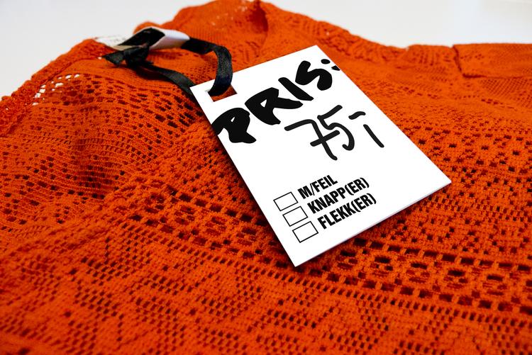 →  Price tag