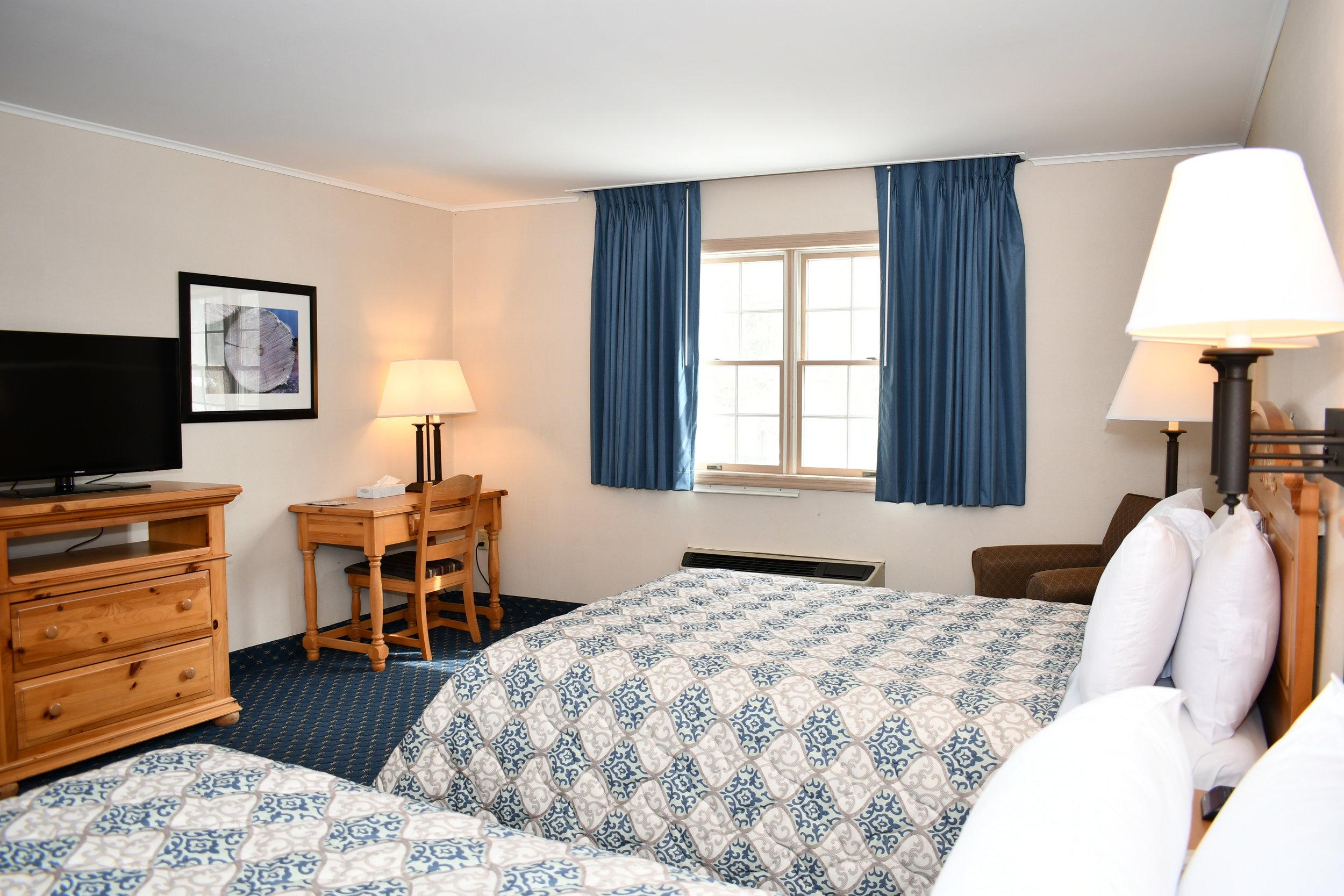 Riverside Manor I room