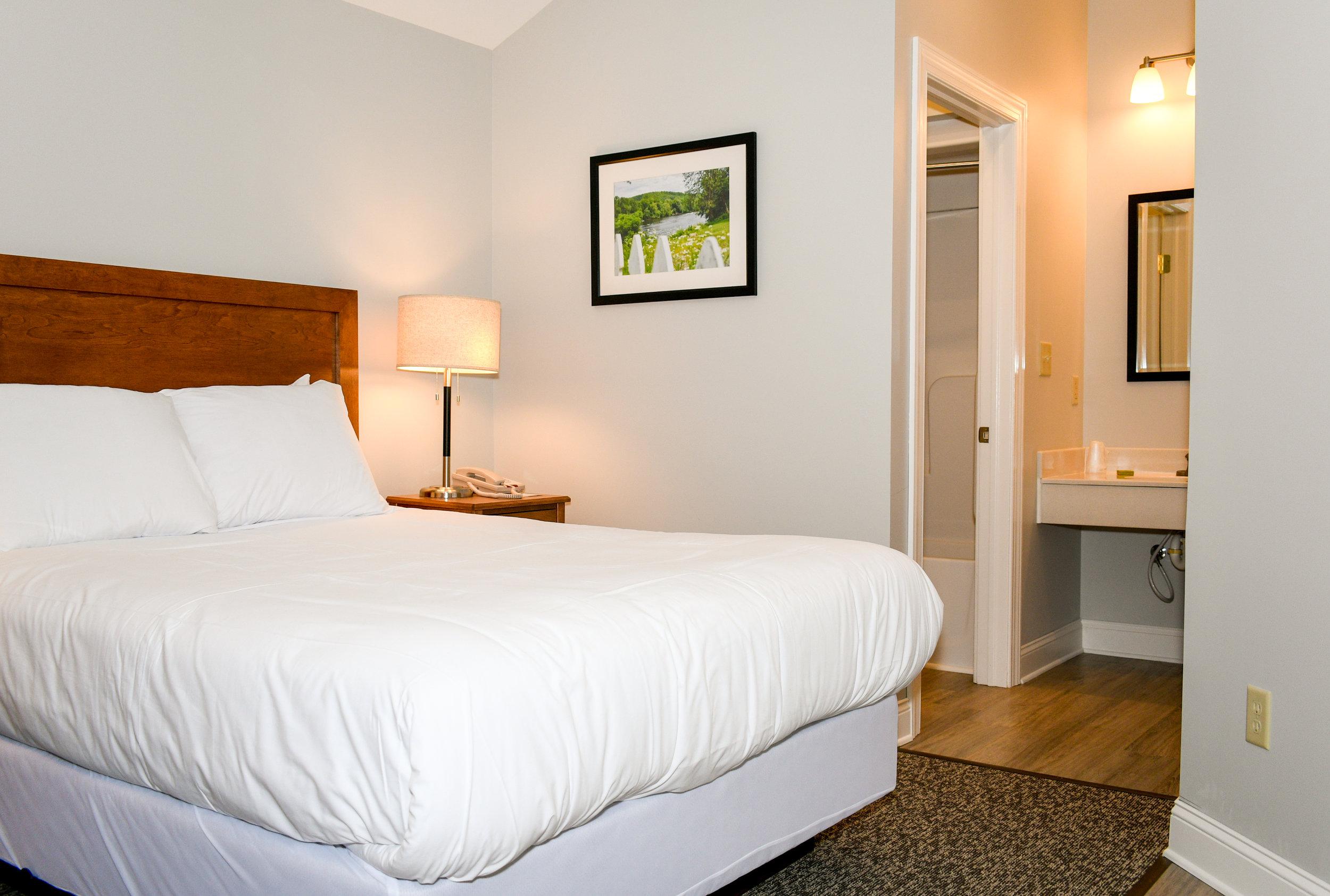 Queen bed in Inn Room 41