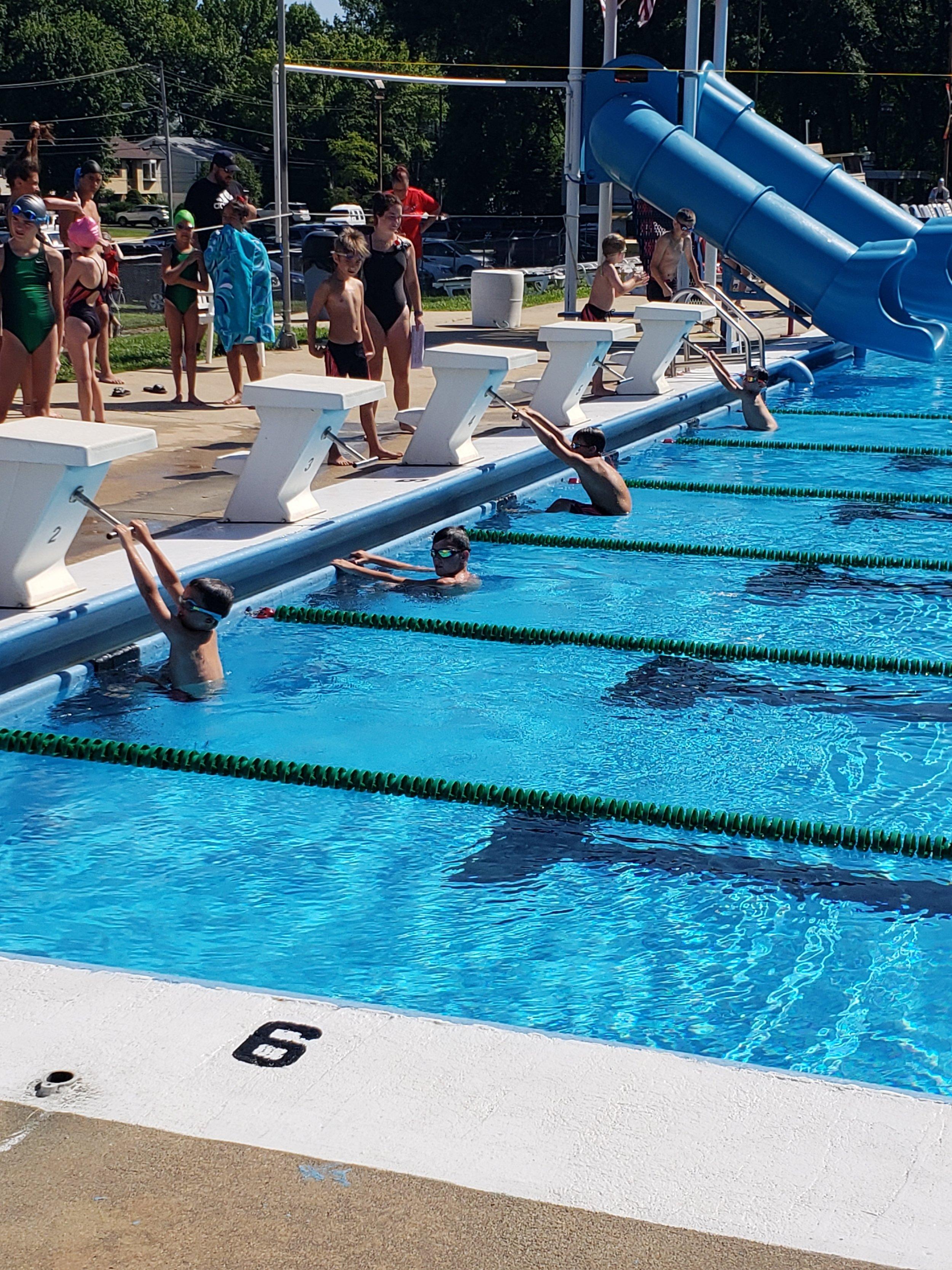 Swim Team 2019.jpg