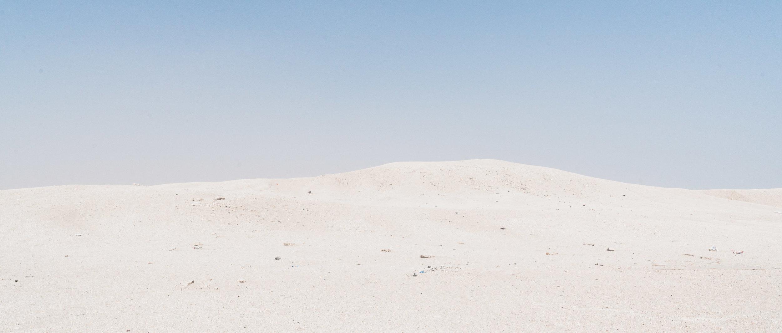 Kuwaiti Desert - Clean lines. Simple, low contrast image
