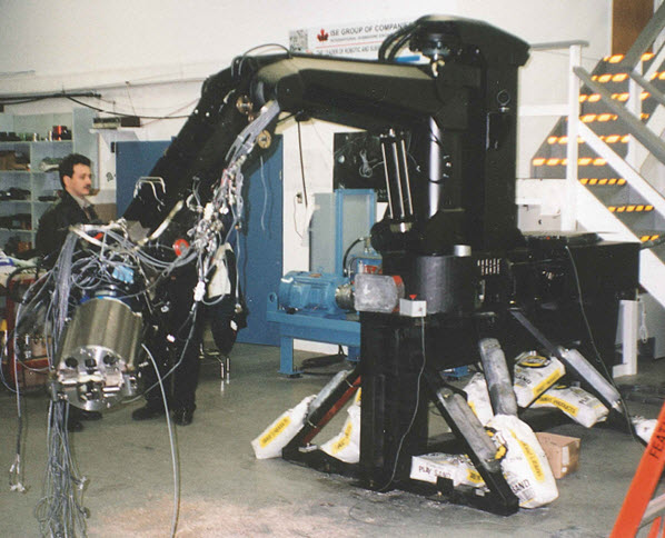STVF Manipulator during Assembly