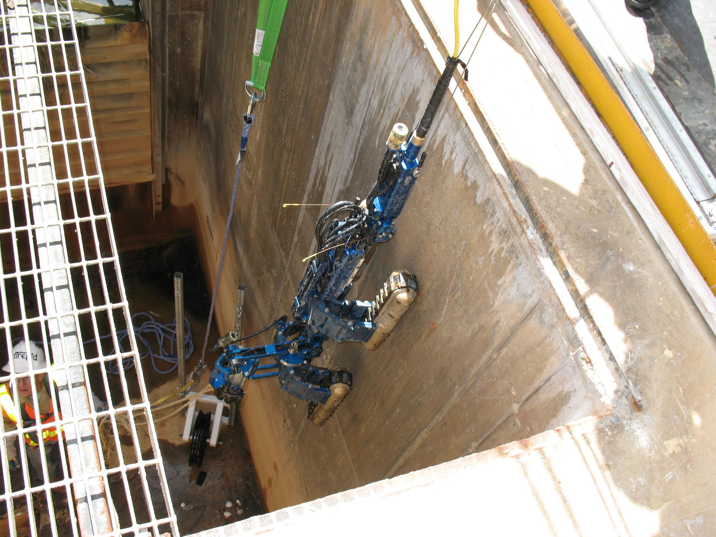 Inuktun Versatrax 300™ Long Range Pipe Inspection Vehicle
