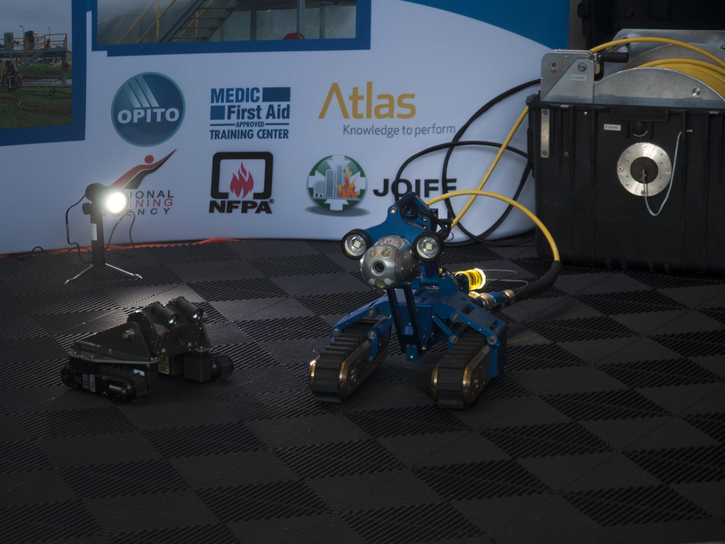 Inuktun's MaggHD™ and Versatrax 150™ inspection robotic crawlers