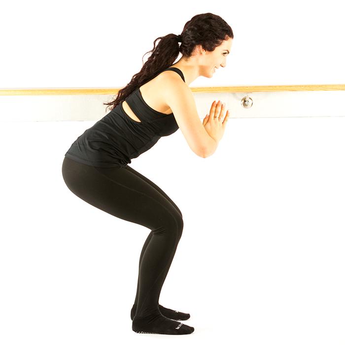 warm up squats paralel hip distance.png