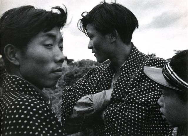 —01. Kimura Ihei: Young Men, Niida, Akita City, 1952.