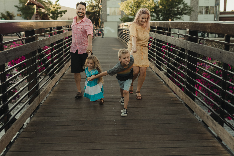 Rancho San Rafael Regional Park, kinds pulling parentes forward photo