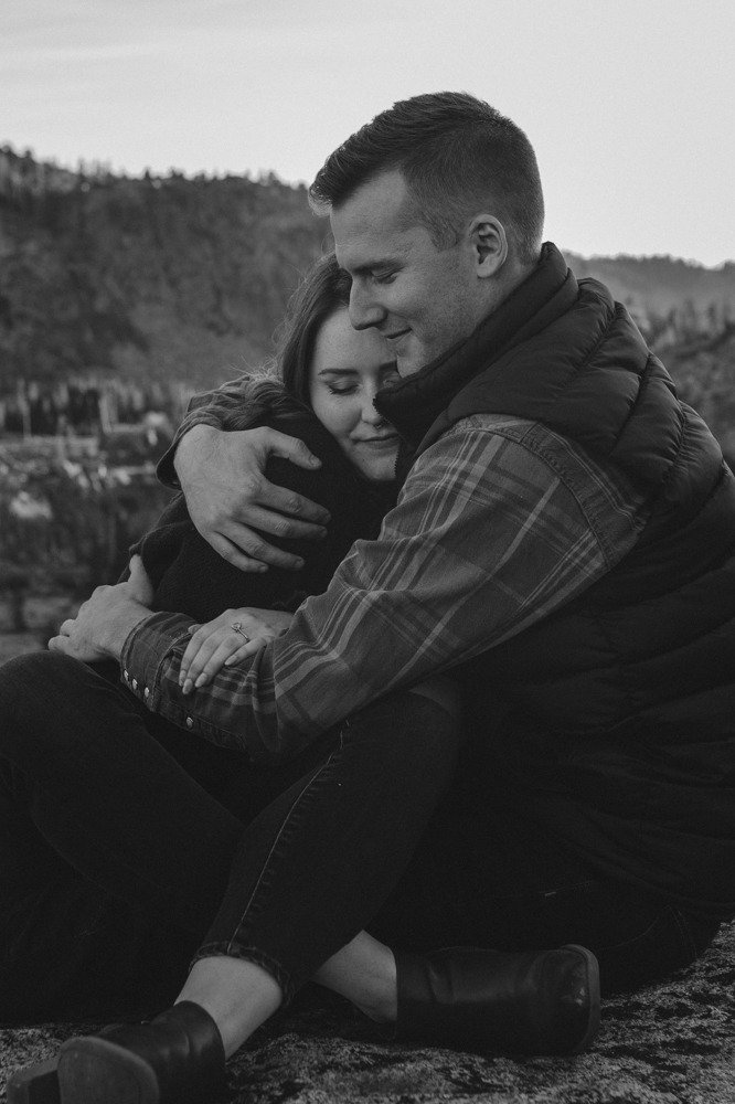Donner Pass, CA engagement session couple cuddling photo