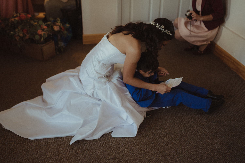Tannenbaum Reno Wedding bride reading her vows photo