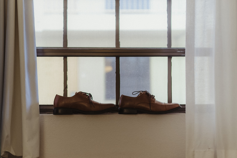 Logan Shoals elopement shoe photo