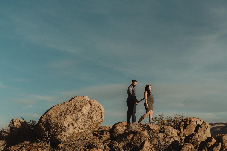 Reno maternity photographer couples photo