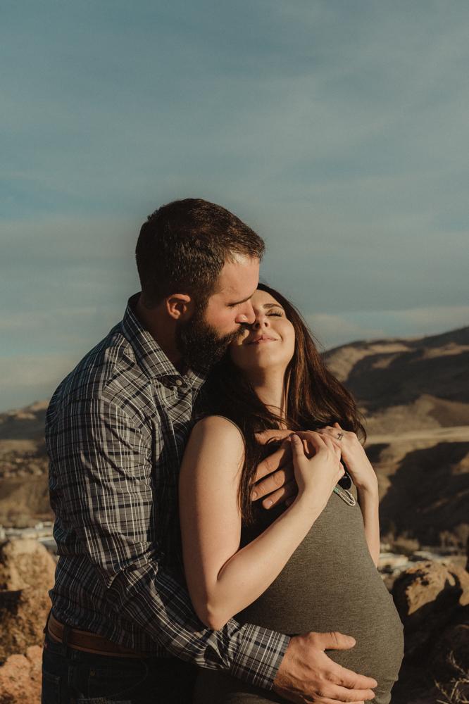 Reno maternity photographer