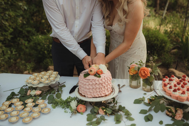 Twenty Mile House wedding cake inspo