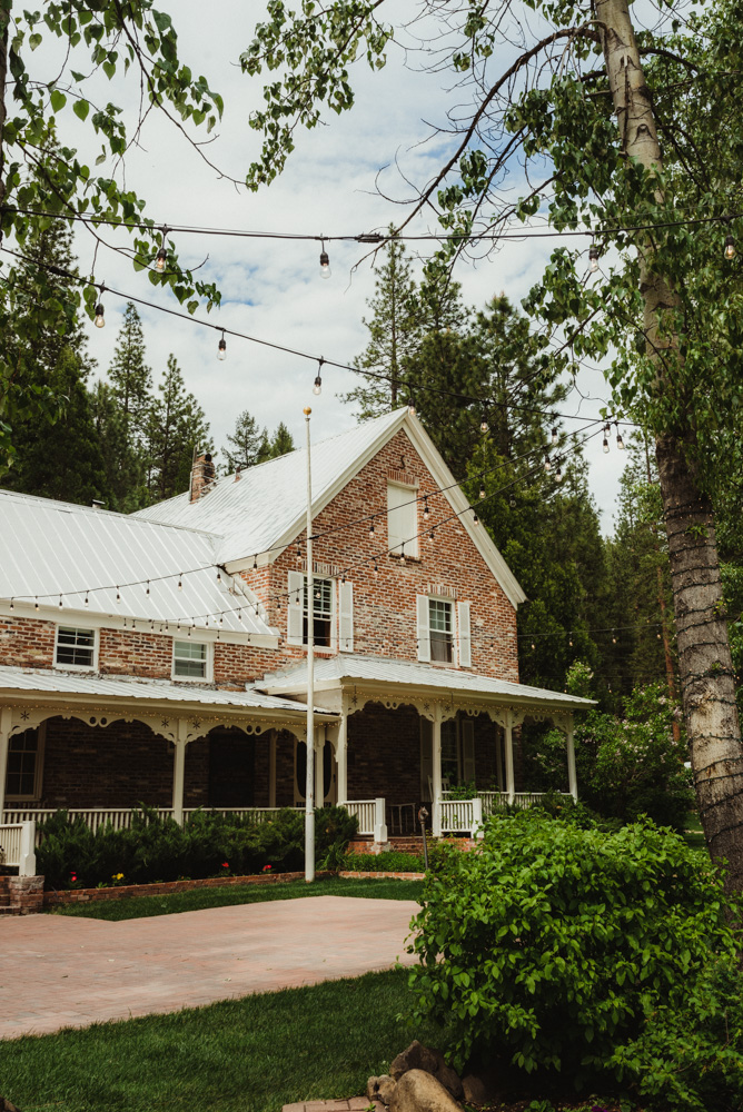 Twenty Mile House Wedding, photo of twenty mile house venue