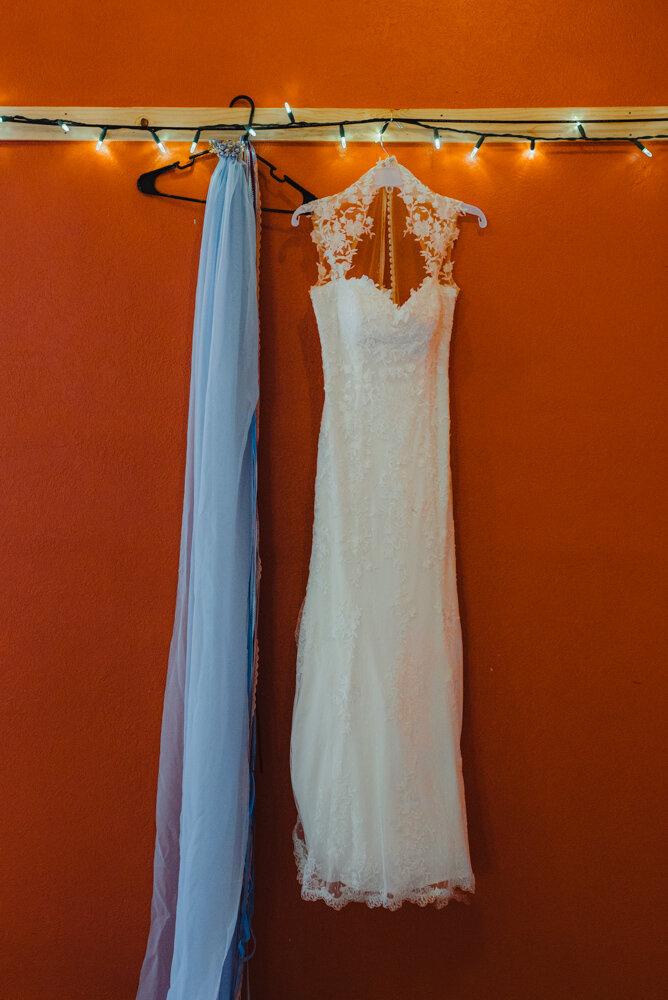 River School Farm Wedding, brides blue veil