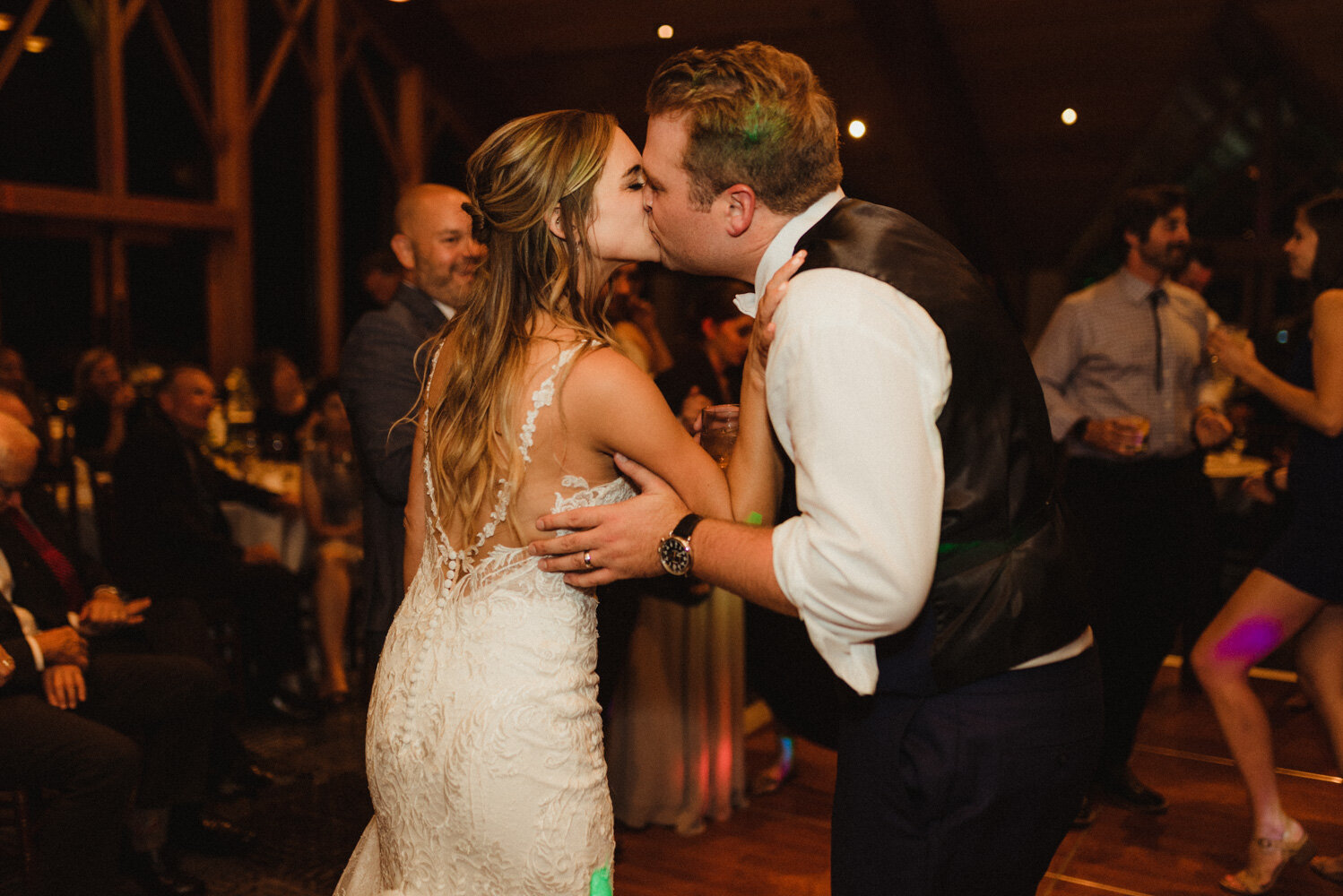 Edgewood wedding, photo of couple kissing