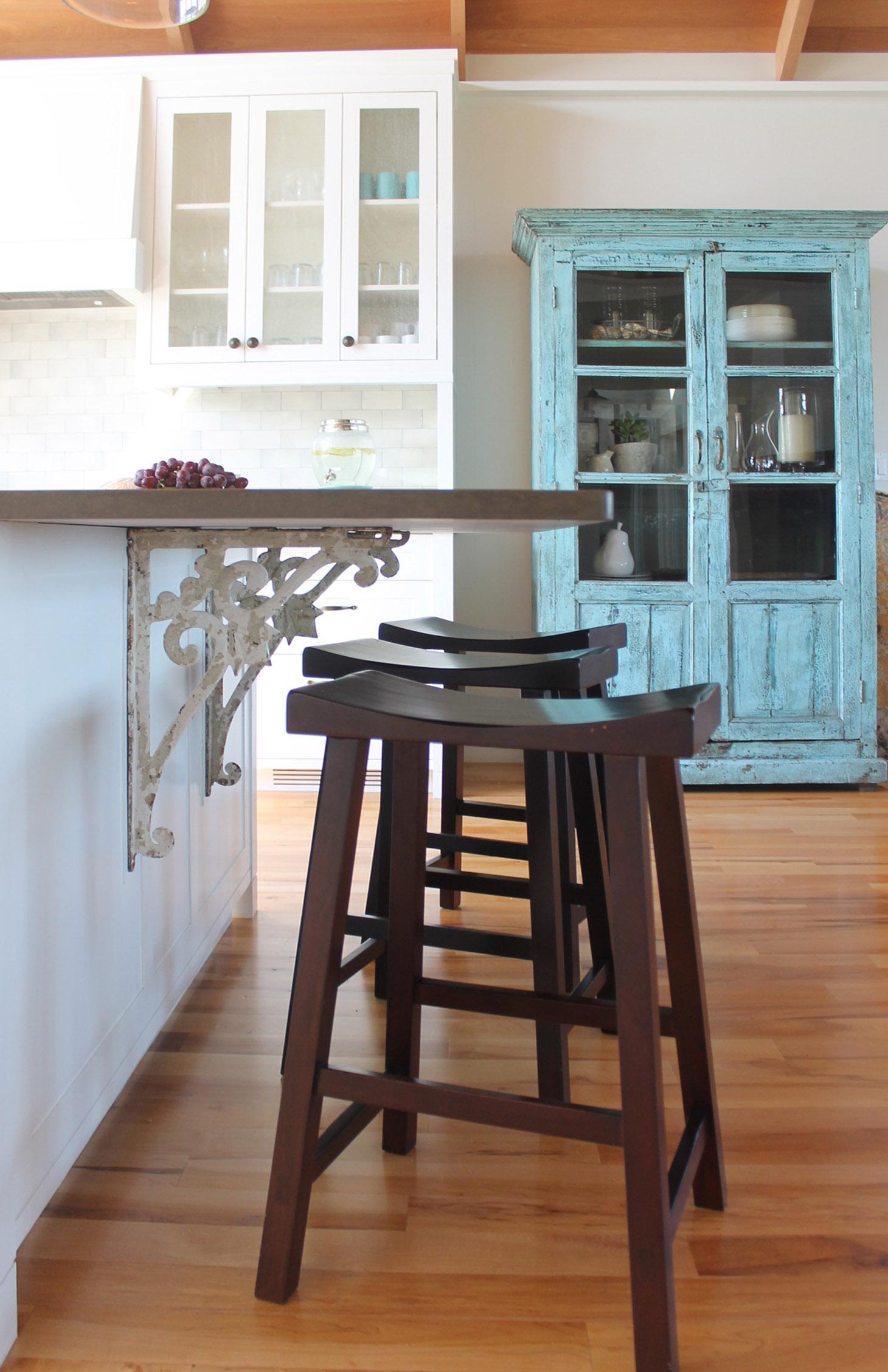 Armstrong-Kitchen Brack Detail.jpg