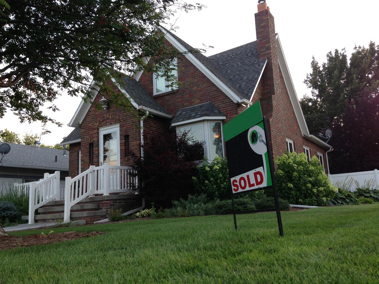 house-435618_1280-1.jpg