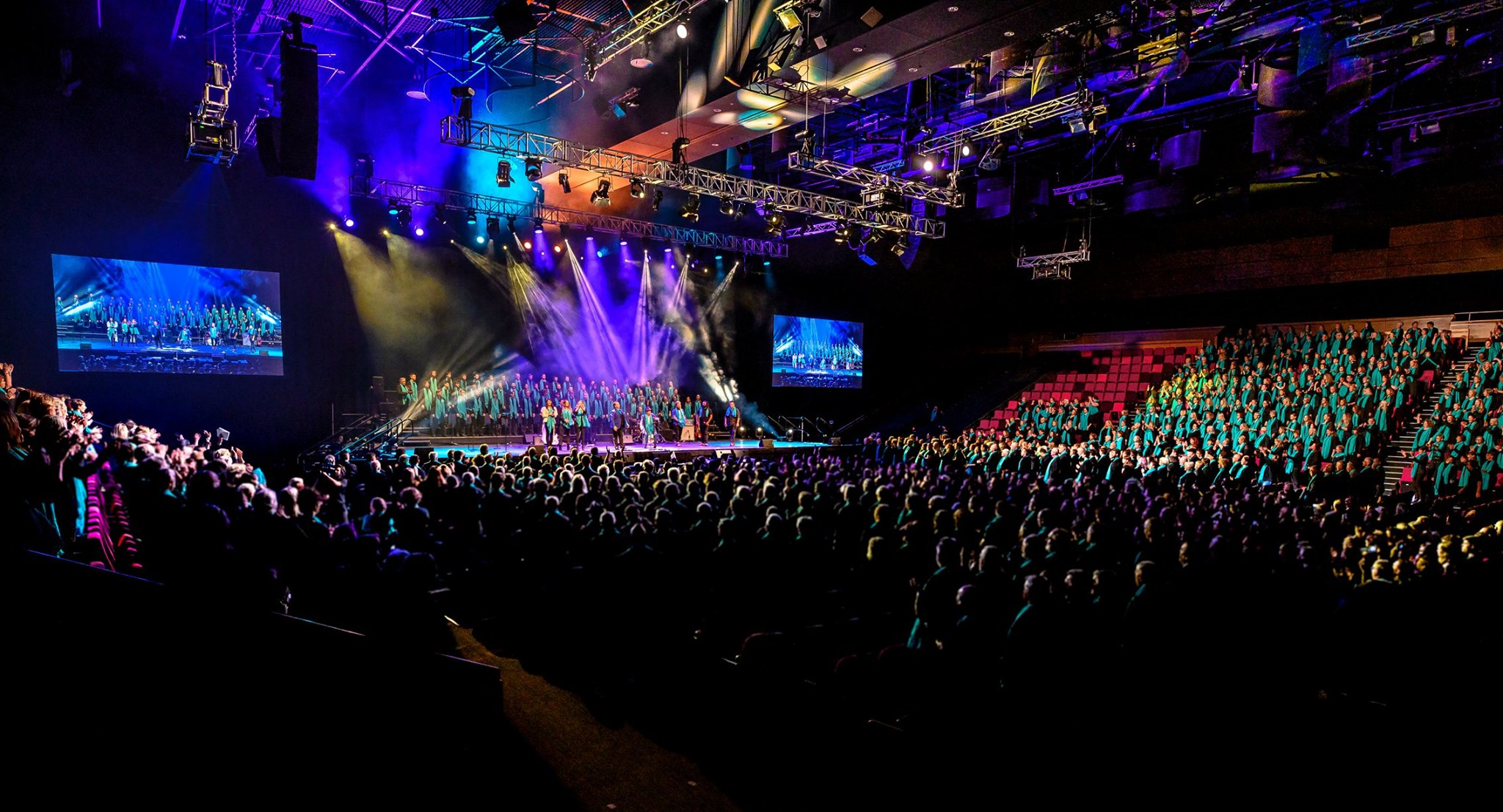 AMWChoir voices scattered throughout the massed choir at Brisbane Convention & Exhibition Centre