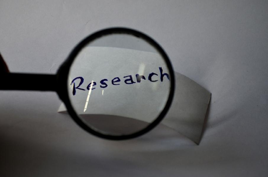 research-390297_1920.jpg