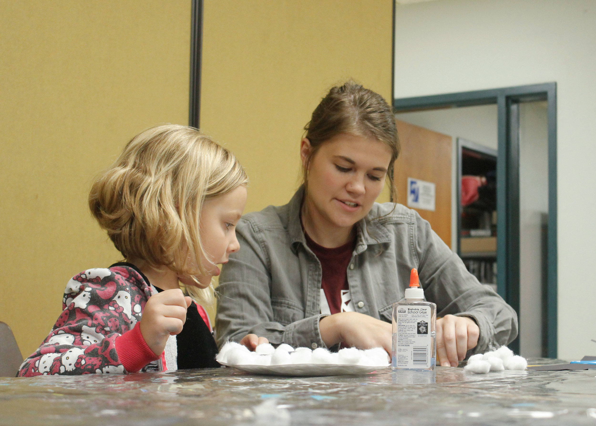 Brittney Hanson  UW-Stout Early Childhood Education INTERNSHIP: Arts and Crafts, Jumpstart After School Program, Menomonie Parks and Recreation