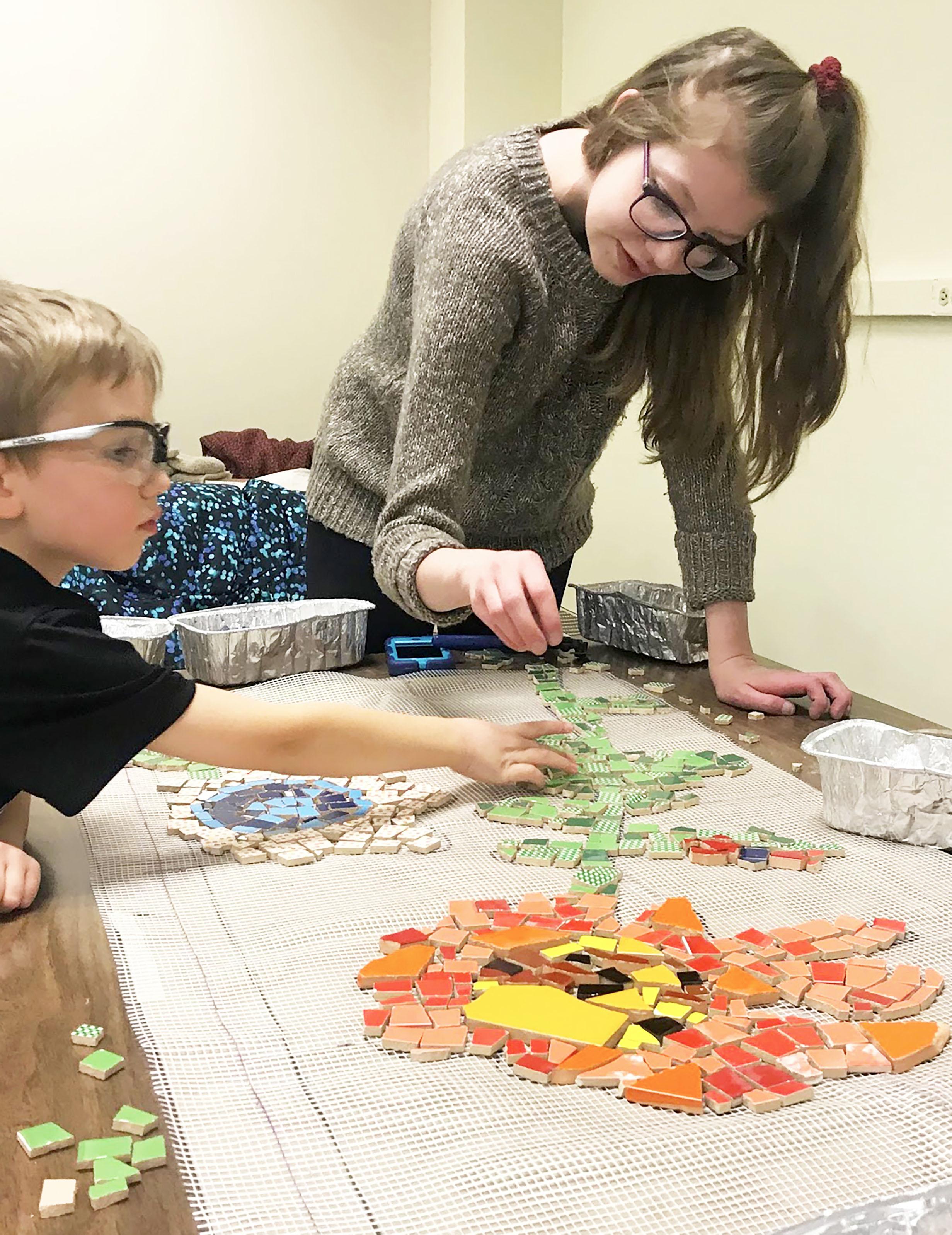 Elizabeth Rosendahl  UW-Stout Art Education INTERNSHIP: Mosaic Mural Mondays, UW-Stout Library