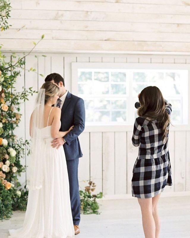 A few months late but I've finally got around to sharing part two of Bloom Bash Dallas on my blog! Check the link in my profile for more pretty shots from this styled shoot! 📷@shalynnelson