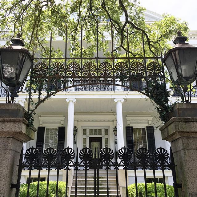 Spending some time in the big easy and recently saw this beaut. 😍  #ahs #nola #white #mansion