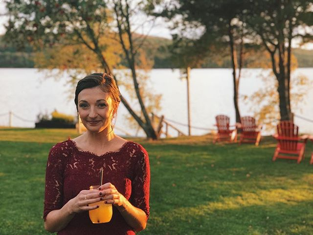 I took a pretty picture of my pretty girlfriend. #cheerstochasse #maine @cearateixeira