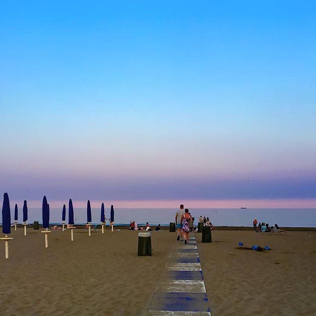 Purple sunset in Lido Beach. Venice, Italy #travel #veniceitaly #lidobeach #beach #sunset